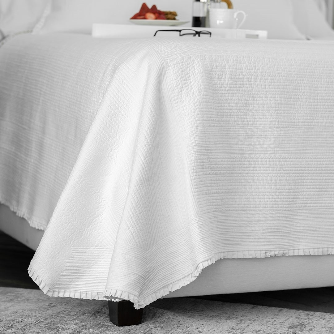 BATTERSEA KING COVERLET / WHITE COTTON 112X98