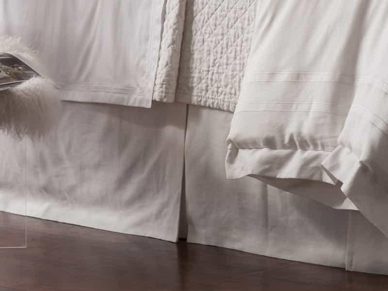CASABLANCA TAILORED 3 PANEL BED SKIRT / WHITE LINEN 3/22X86