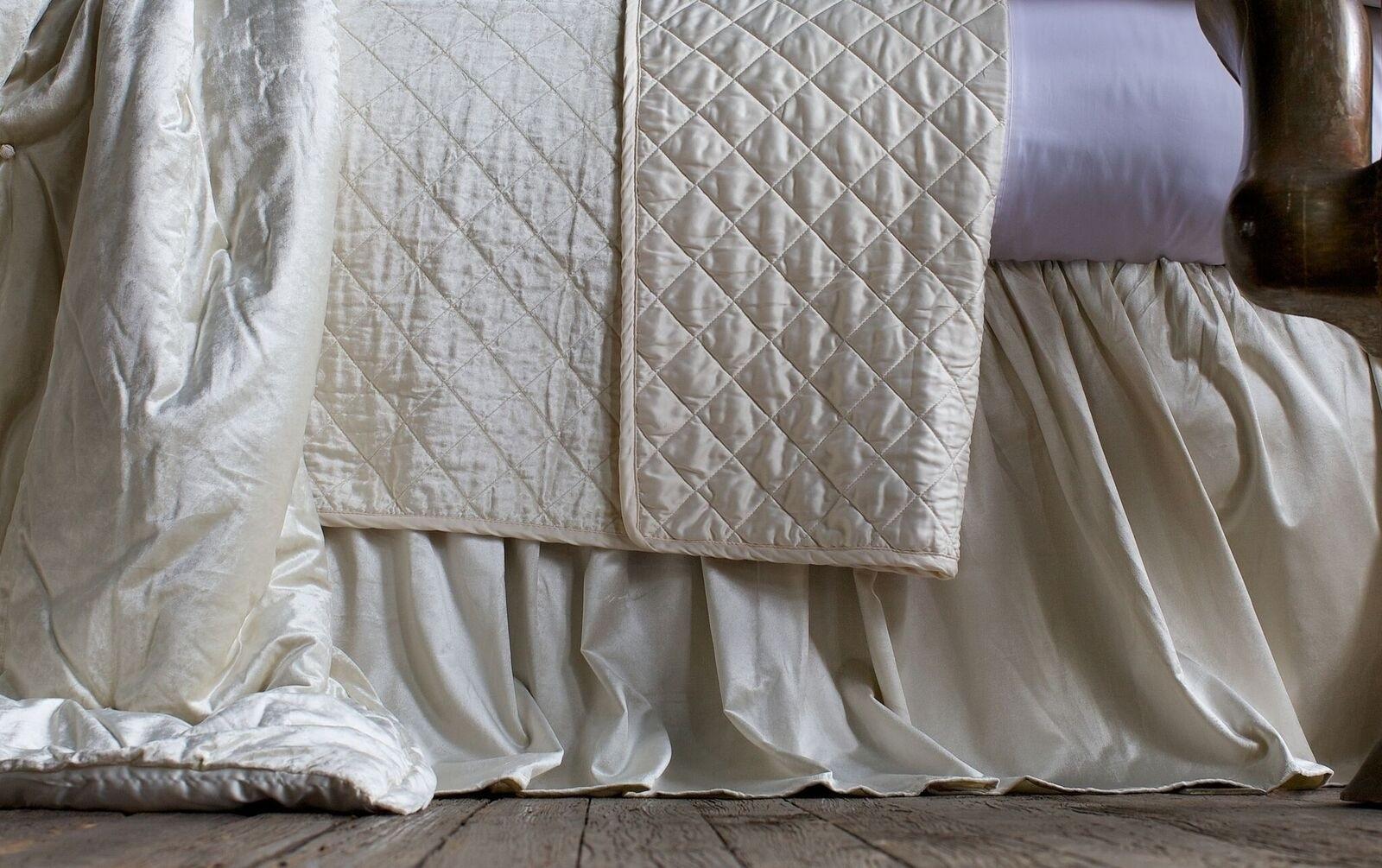 CHLOE GATHERED 3 PANEL BED SKIRT / IVORY VELVET 3/22X86