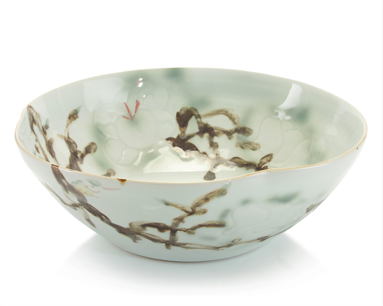 Curled-Rim Porcelain Bowl