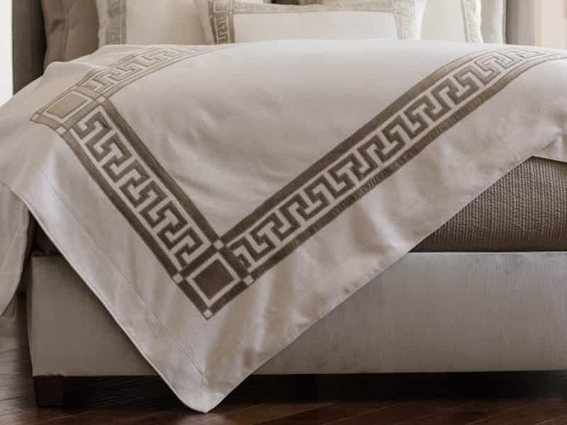 DIMITRI THROW IVORY BASKET WEAVE / FAWN VELVET 42X98