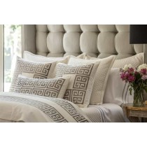 GUY LG. RECT. BORDER PILLOW IVORY BASKETWEAVE/ PLATINUM VELVET APPLIQUE 18X30