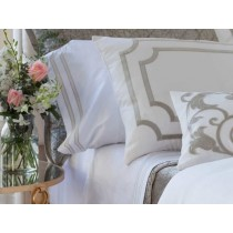 SOHO 2 KING 300TC PILLOWCASES WHITE / OYSTER KING