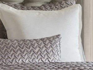 GIA EURO PILLOW IVORY COTTON & SILK 26X26