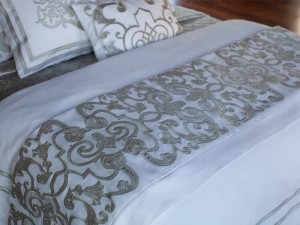 Mozart Luxury Bedding White/Ice Silver Throw Blanket